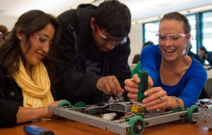 Students work on robots at Ca+¦ada College 300x191 Mission